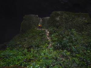 04 Hang En Cave Adventure